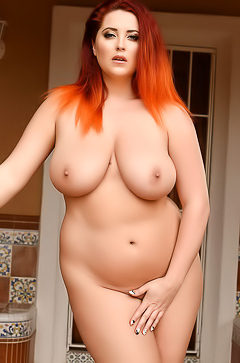 Naked chubby Lucy V