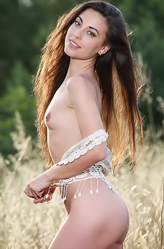 Natural beauty Lorena Garcia in the field