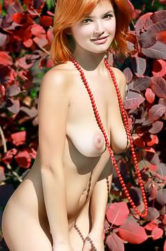 Redhead slut Tisoda