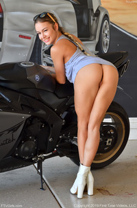 Nayomi Loves Fisting And Sport Bikes