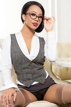 Black Secretary Hope Alina