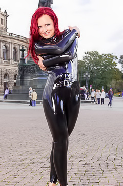Lara Larsen in sexy latex suit