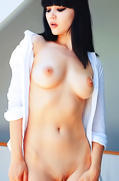 Malena F - perfect naked brunette