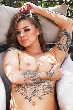 Glamour Mica Martinez shows tattoo