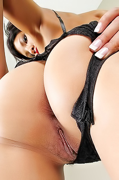 Nasty And Hairy Latin Whore Kalista Likes 2 Play