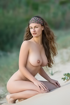 Susann Naked Beauty