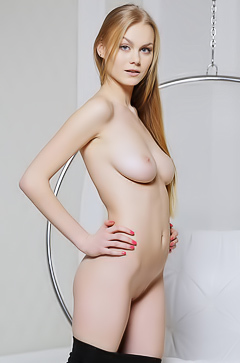 Gorgeous blue-eyed blonde Nancy A picture gallery