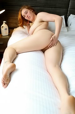 Molly Broad Curvy Molly Broad gets her doggy style solo orgasm