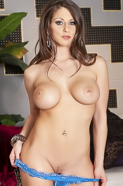 Rachel Roxxx Piercing Boobs Pics