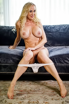 Sexy MILF Brandi Love Showing Her Round Boobs