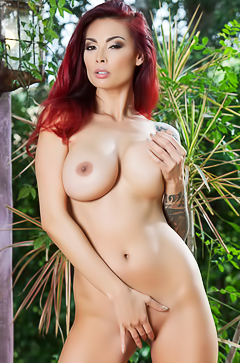 Tera Patrick Is A Pornstar Legend With Massive Titties