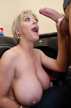 Dee Williams Masturbating And Fucking