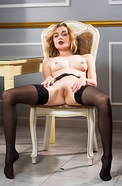 Alice Shea - Her pussy is served up for a delicious dessert