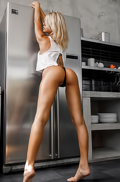 JennyQ Getting Naked And Cooking Sweets