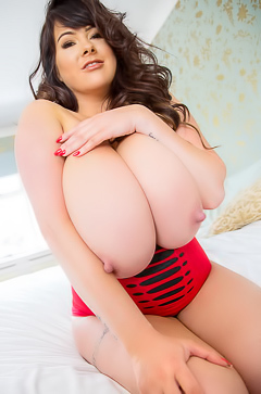 Busty Brunette Rachel Aldana With Big Melons